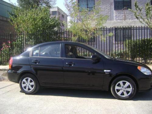 Alquiler de auto hyundai accent del año para eventos y matrimonios