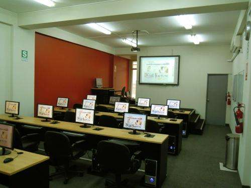 Alquiler de aula - sala con computadoras en miraflores
