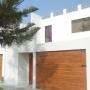 Alquilo casa con vista al mar amoblada y equipada con cable,wifi,agua caliente,guardiana.