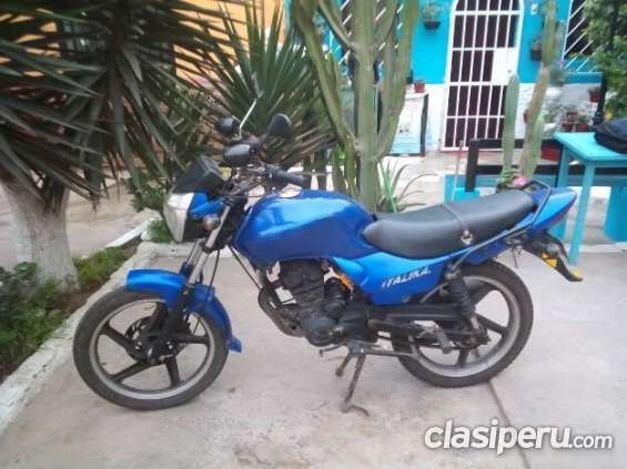 Hoy vendo moto italika 150 con soat es urgente