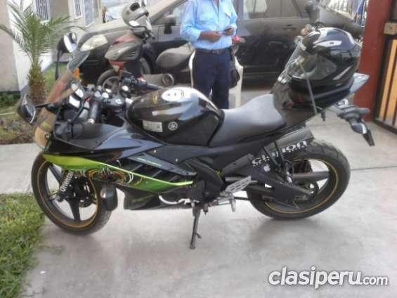 Quiero vender urgente moto yamaha r15 edición especial envio a todo el pais.