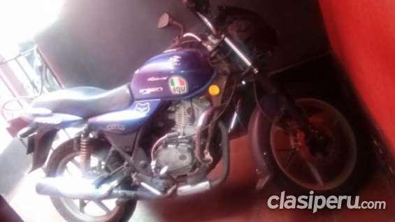 Buen precio! vendo moto marca bajaj modelo discover consulta el precio.