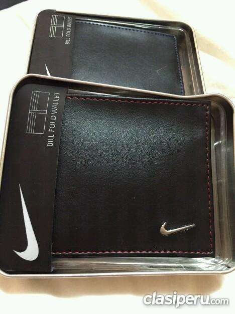 Muy poco uso billetera nike original es urgente