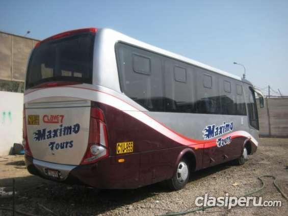 Casi sin uso vendo buses hino peru 2015 oferta especial.