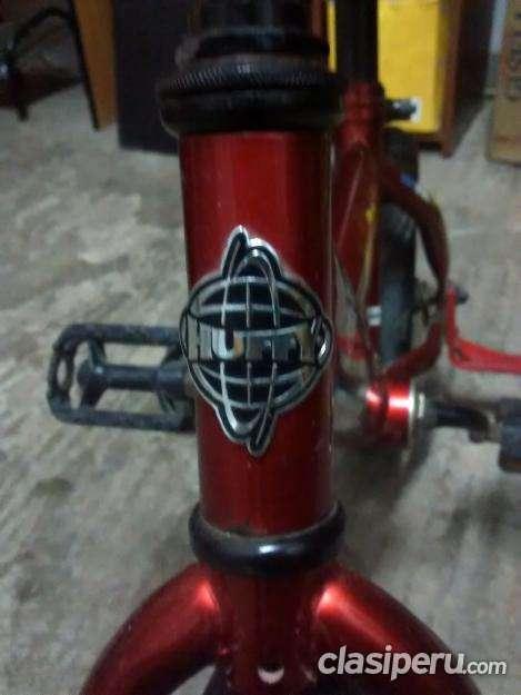 Quiero vender bicicleta huffy cars para niño muy buen estado aro 12 la mejor calidad!