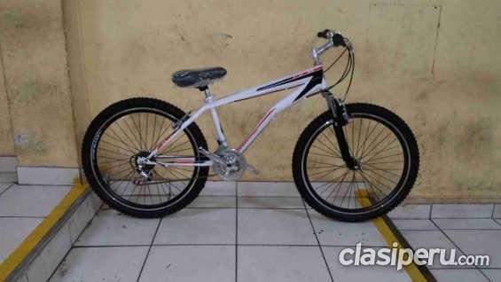 Vendo barato bicicleta montañera beneton tmb nueva buen precio!