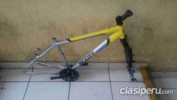 Vendo cuadro de bicicleta montañera de aluminio mtb en buen estado.