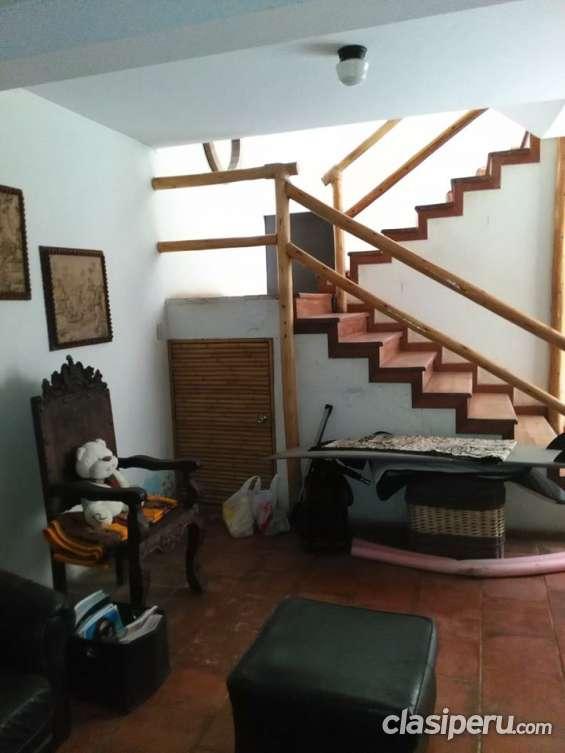Escalera 2ndo piso
