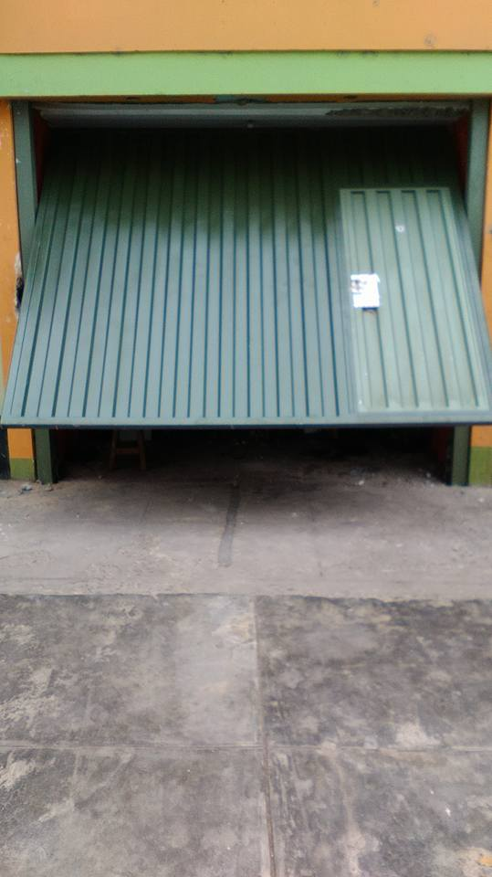 Puertas de garajes reparaciones servicios tecnico levadizo seccionales corredizos