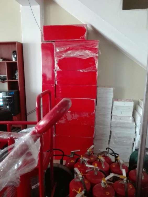Venta de gabinetes, luces de emergencia , botiquines 957018085