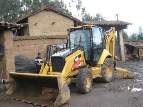 Importación,venta de retroexcavadoras caterpillar - group tractors andean sac