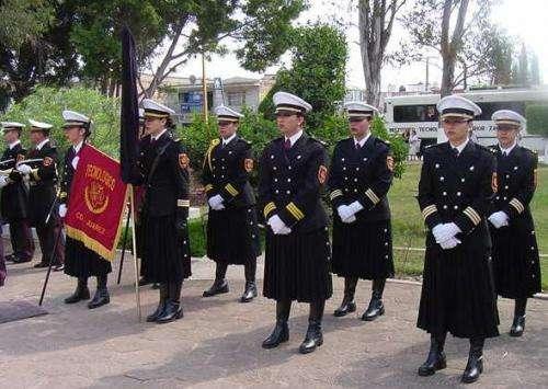 Desfile escolar: uniformes
