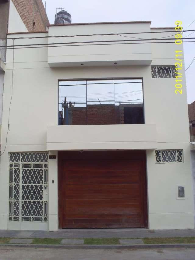 Casa dividida en 2 duplex en los olivos