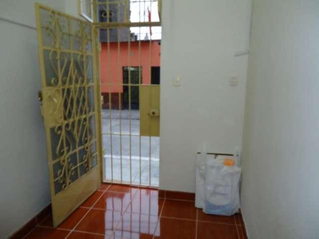 Vendo minidepartamento 1ºpiso reestreno puerta calle a 6m de av. bolivia y a 1cuadra de metro (arica)
