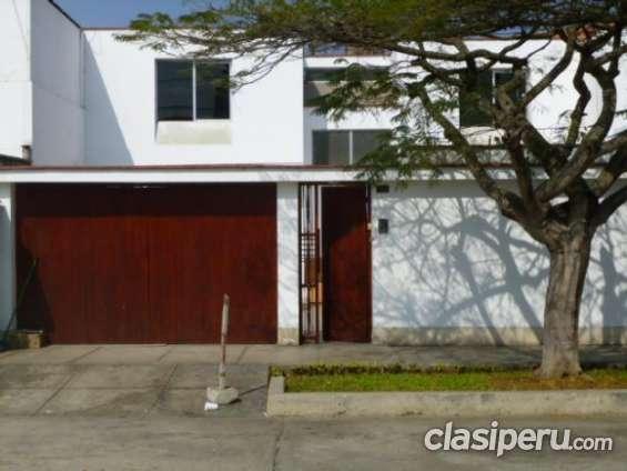 Estoy vendiendo acogedora casa en surco también en vivavisos