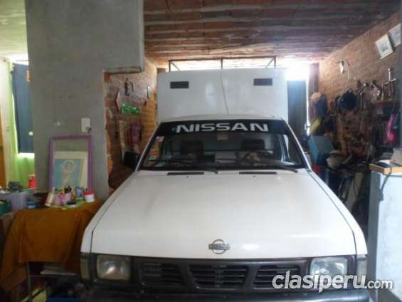 Casi sin uso alquilo camioneta nissan furgon funciona perfecto