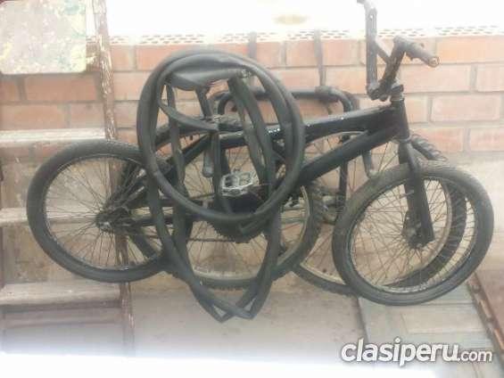 Ofrezco en oferta vendo bicicleta aro 20 mbx mas porta bisicleta es urgente
