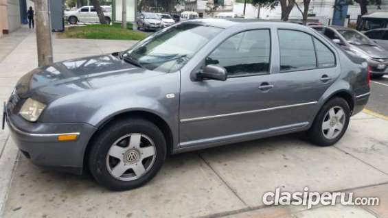 Estoy buscando vender volkswagen bora 2005 en buen estado.