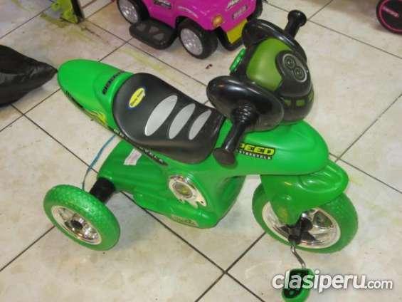 Vendo! moto triciclo musical para niños a buen precio muy buen estado.
