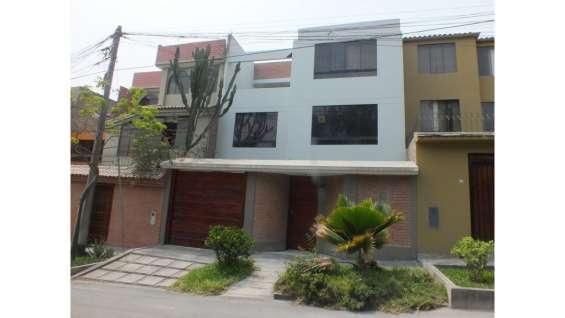 Casa / venta casa en la molina-00503
